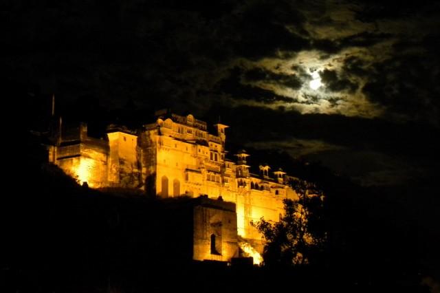 Ночной вид на дворец