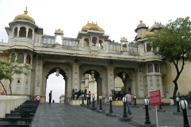Вход в городской дворец