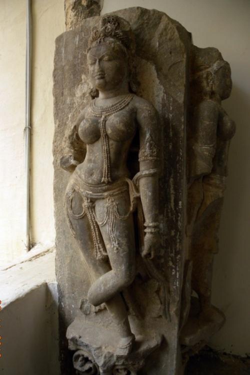 Красавица из скульптурной галереи дворца