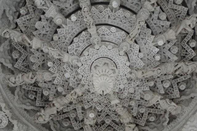 Мраморные потолки