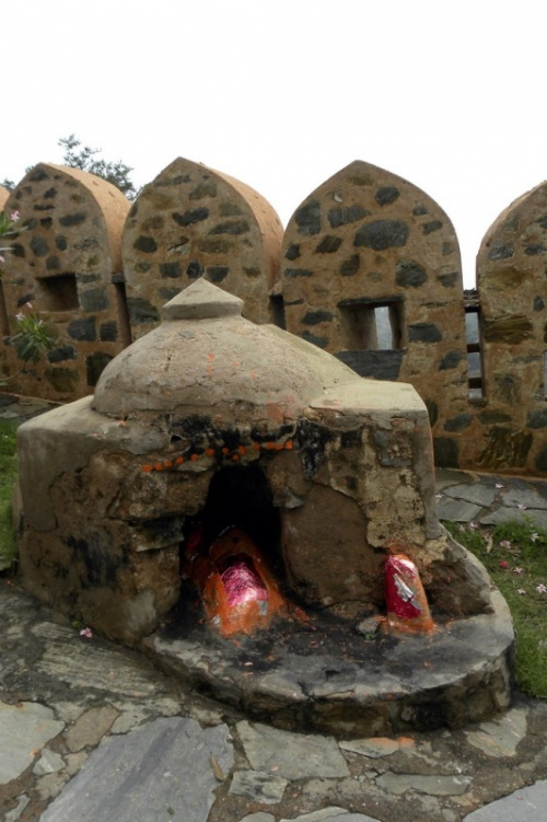 Храмик на территории дворцовой части форта