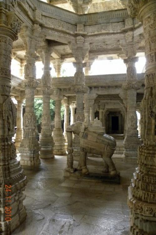 Ранакпур - храм Адинатха