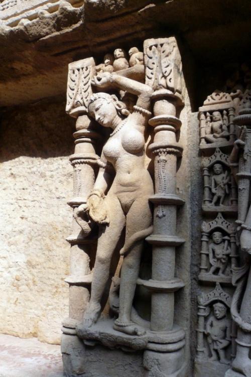 Рани-ки-Вав - скульптура