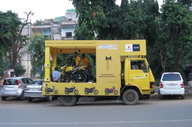 Такие вот машинки водятся в Ахмедабаде