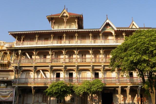 Особняки вокруг Сваминараян Темпл