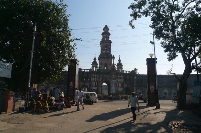 Привокзальная площадь Джунагадха