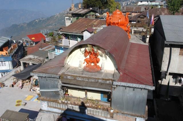 Вид из окна на храм Кали