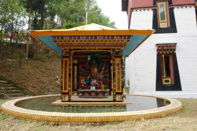 Статуя Падмасамбхавы