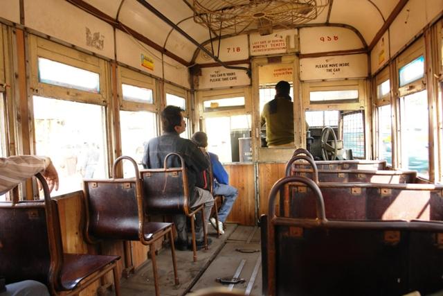 Калькутта (43)_В трамвае