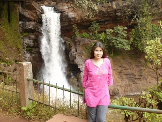 я и водопад