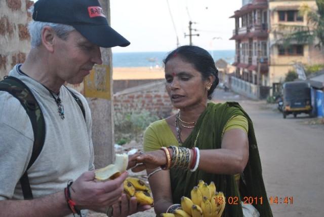 А вотэти бананы вкуснее, потому и дороже