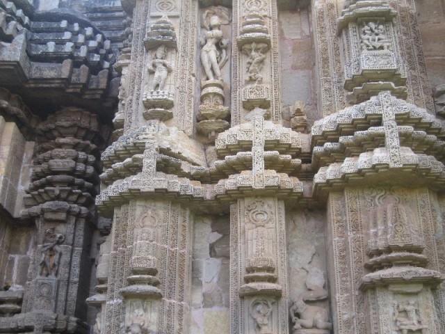 Рядом стоящий храм