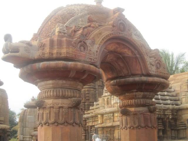 Знаменитая арка муктешвара