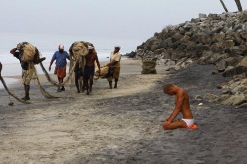 Встреча индийских йогов и украинских рыбаков