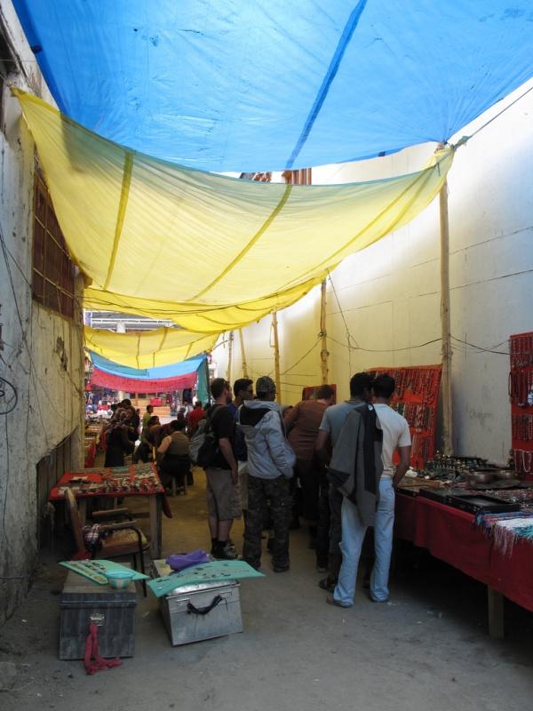 Тибетский сувенирный рынок