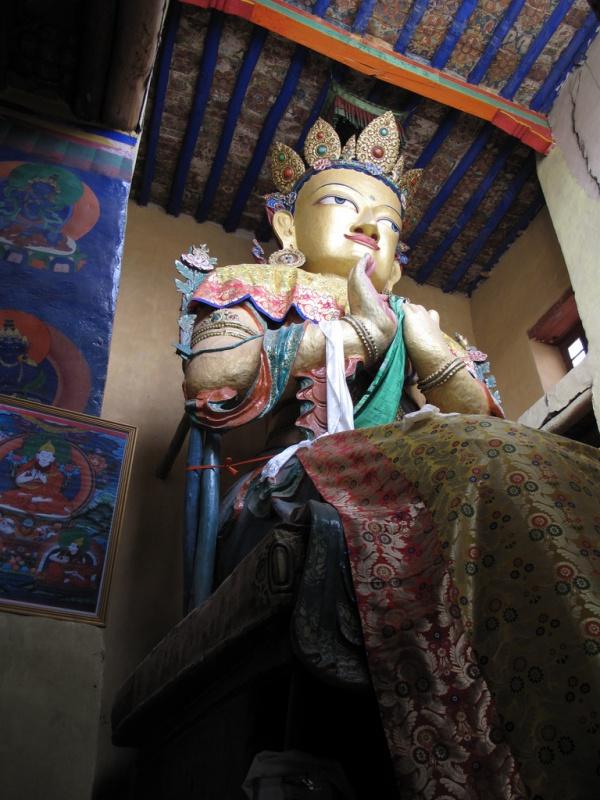 Будда в сезонном одеянии