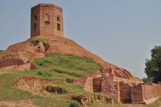 Сарнатх. Chaukhandi Stupa