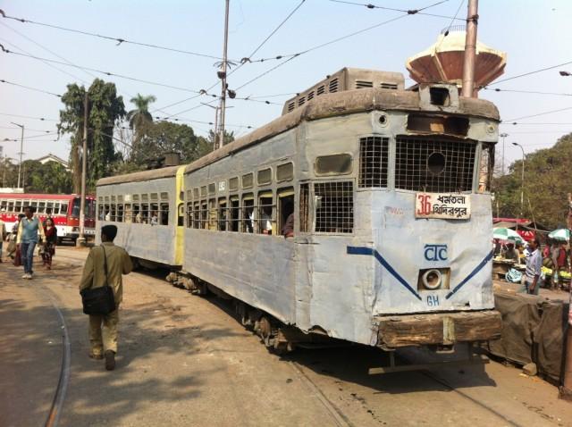 Колката - единственный город в Индии, где есть трамваи.