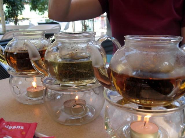 Чаепитие в Бангалоре - в Индии такое видела впервые :)