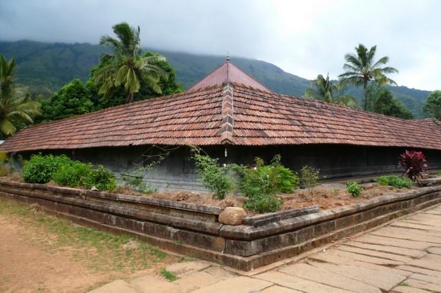 Храм Тирунелли