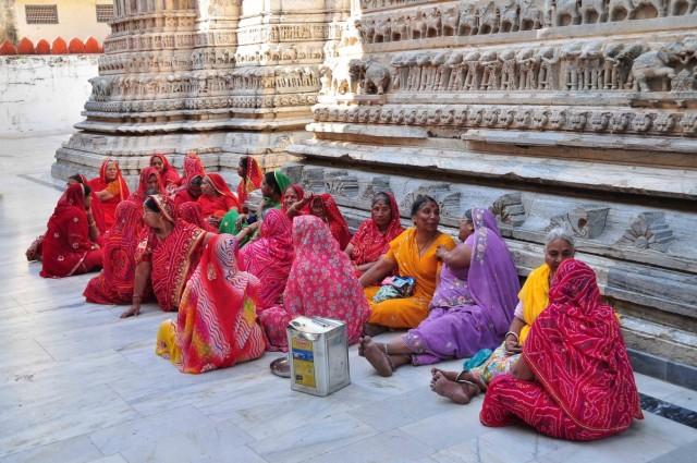 Отдых в тени храма. Удайпур