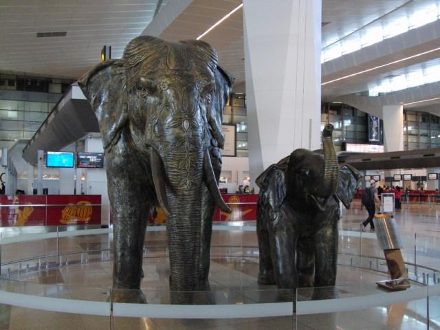 Слоники  слева