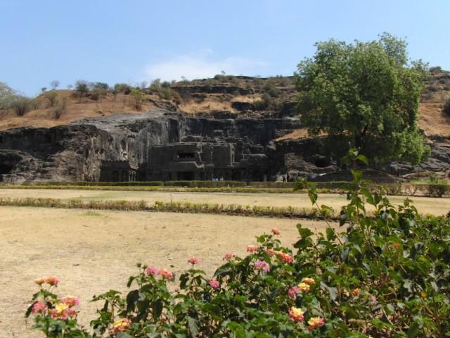 Храм Кайласанатх