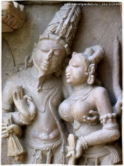 Пара (скульптуры Каджурахо)