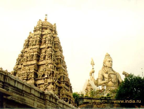 Шикхара храма (пирамидальная надстройка на крыше) Марадешвар