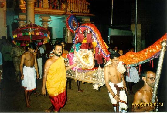 Фестиваль Парьяя в Куке Субраманиям