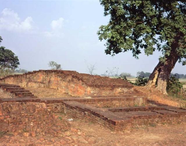 Развалины княжества Капилавасту, где Будда жил до 27 лет