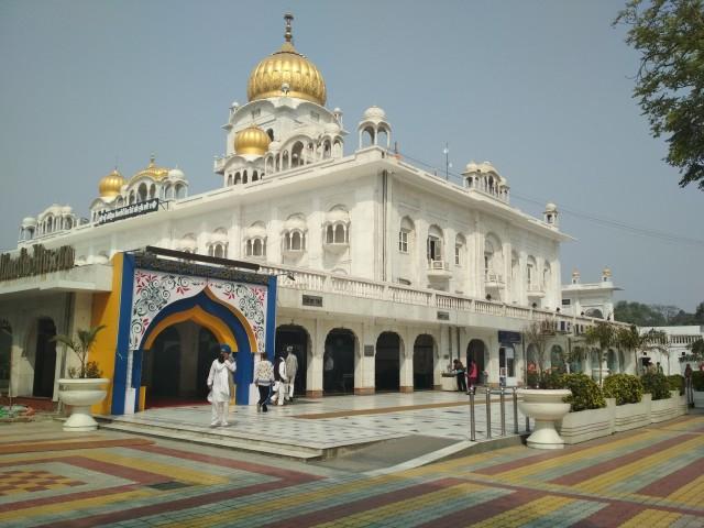 Храм Гурудвару Бангла Сахиб в Дели
