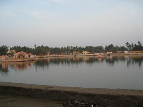 Пури. Озеро