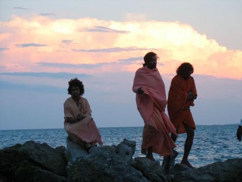 Монахи-паломники