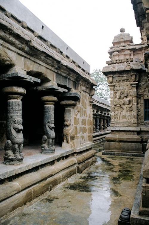 Еще один древнейший храм - ровестник предыдущего