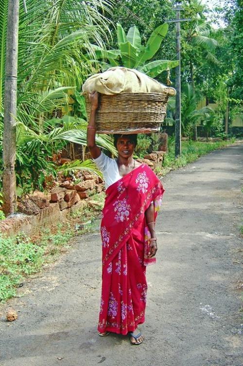 Да, головы в Индии не только для мыслей и еды )