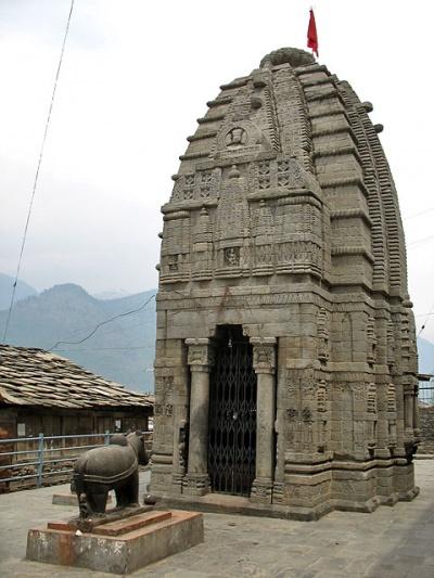 Шри Гаури Шанкар Мандир (храм Шивы) в Наггаре