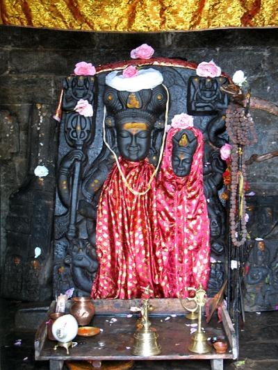 Божество Шри Гаури Шанкар