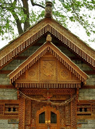 Деревянное резное убранство храма Jagtipath