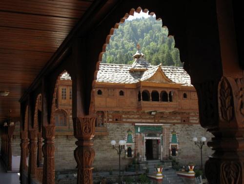 Храм Бхимакали, вид с балкона гостиницы при храме