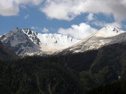 Горы в Сангле