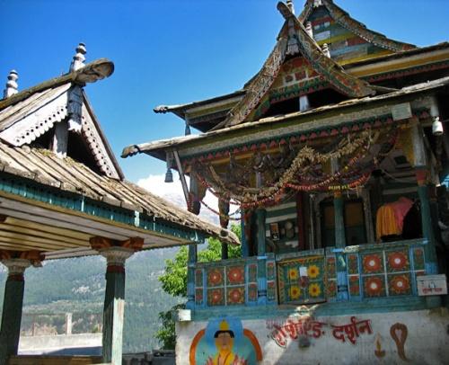 Храм в Панги