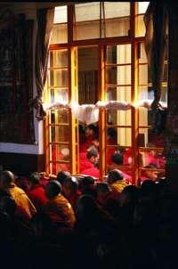 Молитвенное собрание буддистских монахов