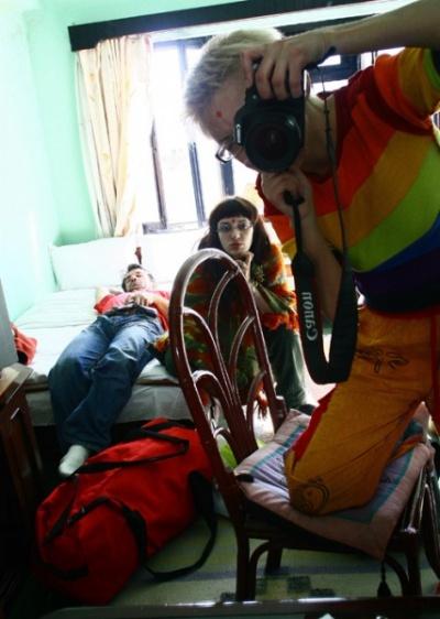 мы во время забастовки на чемоданах..выехать не можем