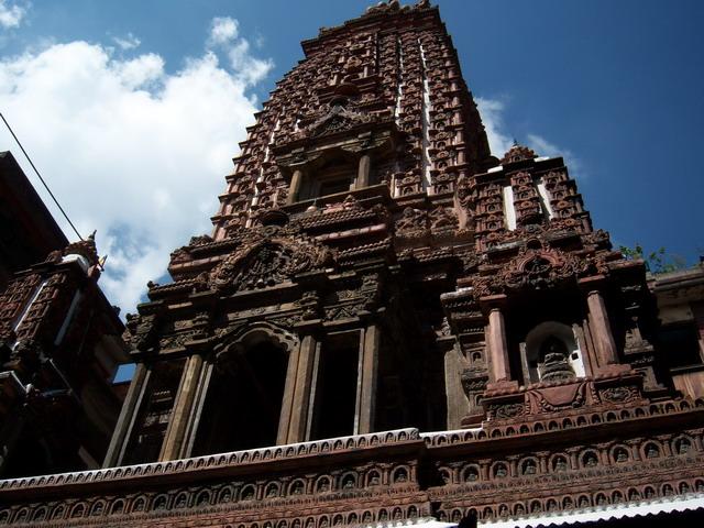 Храм Махабудда в Патане