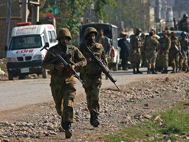 Пакистан обвиняет Индию в убийстве своего солдата в Кашмире - области, которая была разделена между двумя странами в результате войны в 1949 году