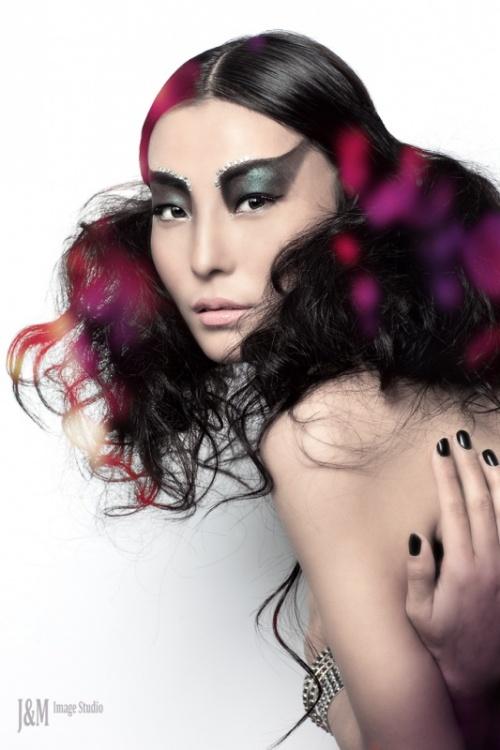 Dolma miss TIbet 2007 by J&M Image Studio