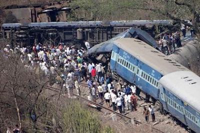 Крушение поезда в Махараштре