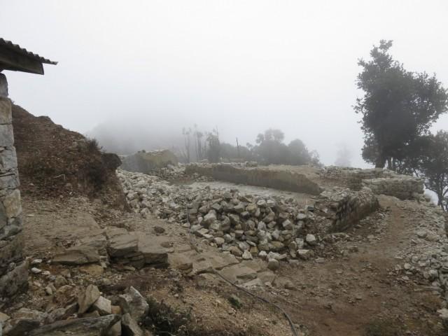 Воееный пост на выходе из Хеламбу