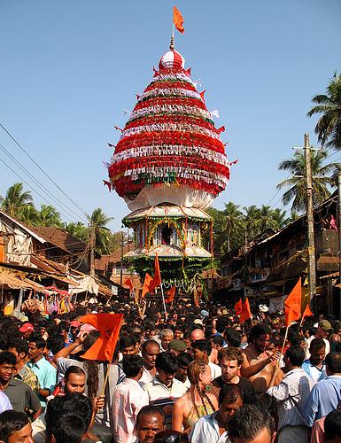 Шествие с колесницами в честь Шиваратри в Гокарне